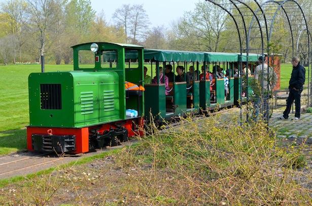 Mit Tulipan Fahrt Auch Die Britzer Museumsbahn Wieder Hier In Rudow